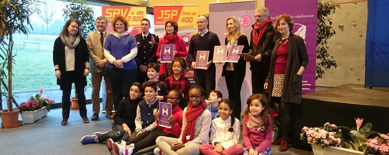 Remise des Boucliers de la résilience aux établissements scolaires de Poissy